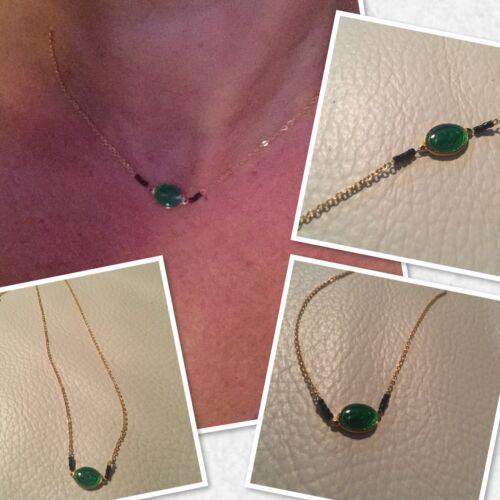 Collier Médaille Madone Vierge Marie  Résine Verte Perles Noires Gigi4 Solde