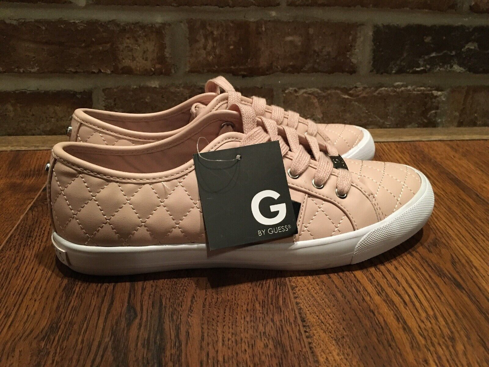 d9c88f4b3ba2 Guess Women Sz Sz Sz 8 Lace Up Leather Quilted Sneakers shoes Pink Soles G  By Guess 0d14f6