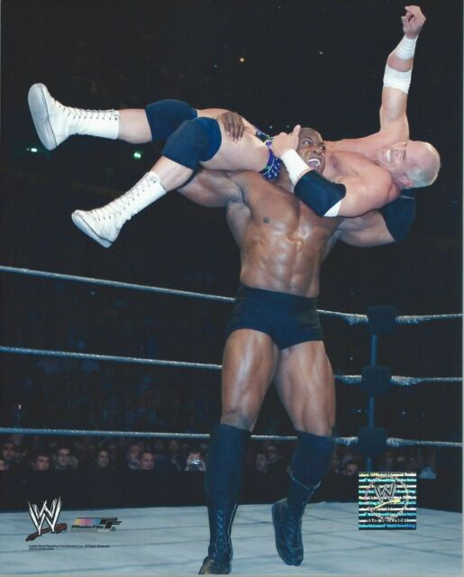 BOB HOLLY VS BOBBY LASHLEY WWE WRESTLING 8 x 10 LICENSED PHOTO NEW # C46