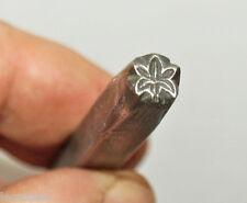poinçon à frapper décoratif  métier du cuir  feuille palmée - outil ancien