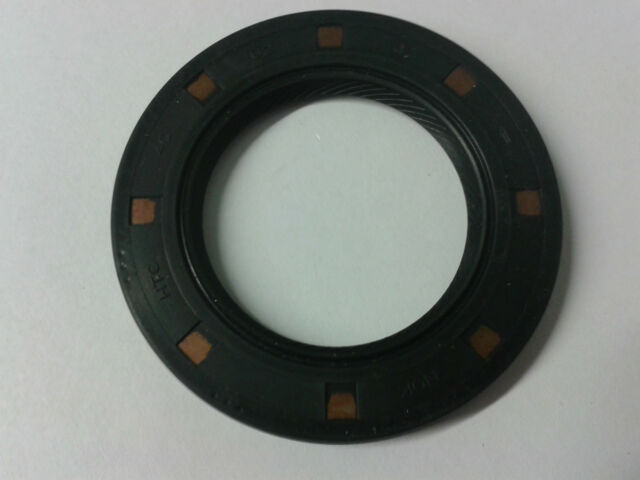 Triumph Speed Triple 750 / 900 - Gearbox Output Sprocket Shaft Oil Seal HTC