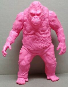 Godzilla-King-of-Monsters-villain-PINK-Kaiju-KK-5-5-inch-figure-LAST-PIECE