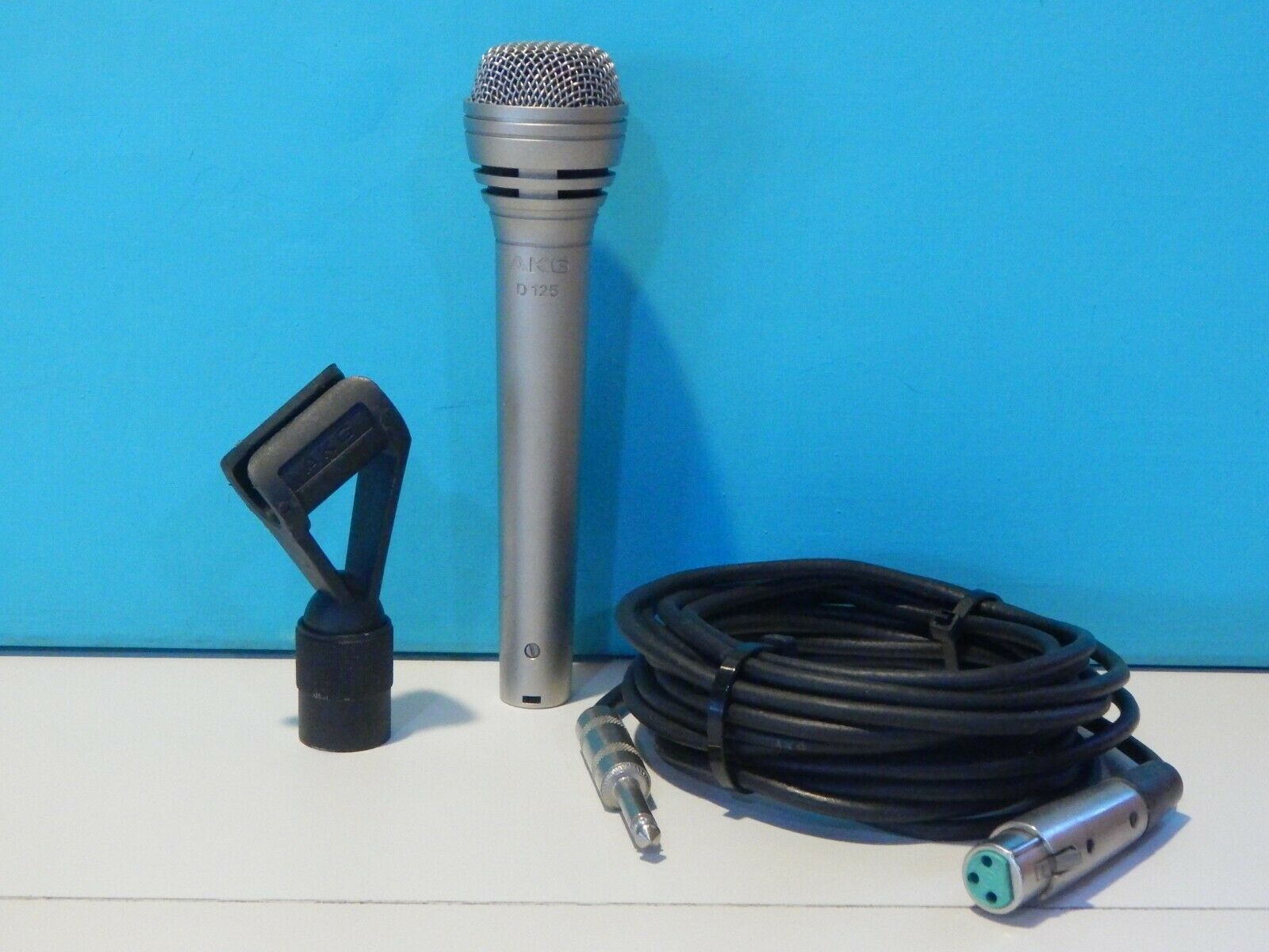 Vintage 1980S AKG D125 200 OHMS  Microphone And Original Clip And Cable Shure