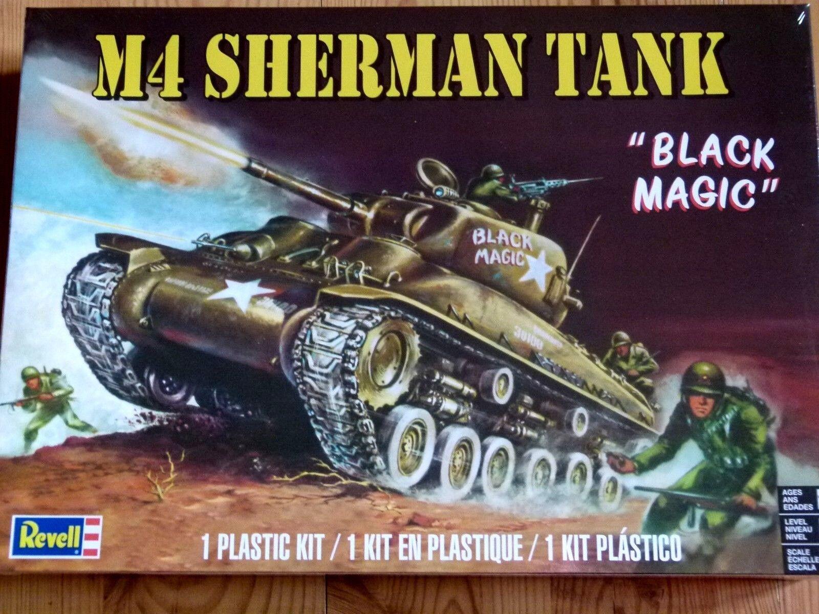 Revell Monogram 1 :3 5 M4 Sherman
