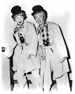 I-Love-Lucy-Lucille-Ball-Harpo-Marx-B-W-8x10-Photo