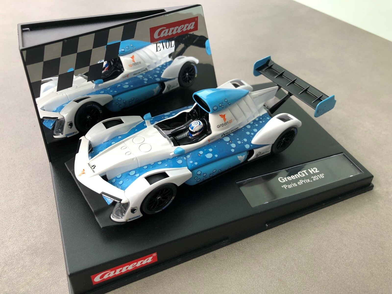 Carrera Evolution 27517 greengt H2   Paris ePrix , 2016 New Sealed Box