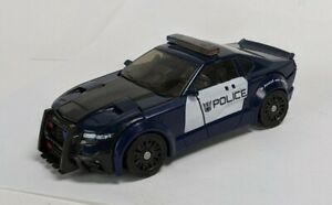 Hasbro Transformers The Last Knight Deluxe Class Barricade ( No Weapons)