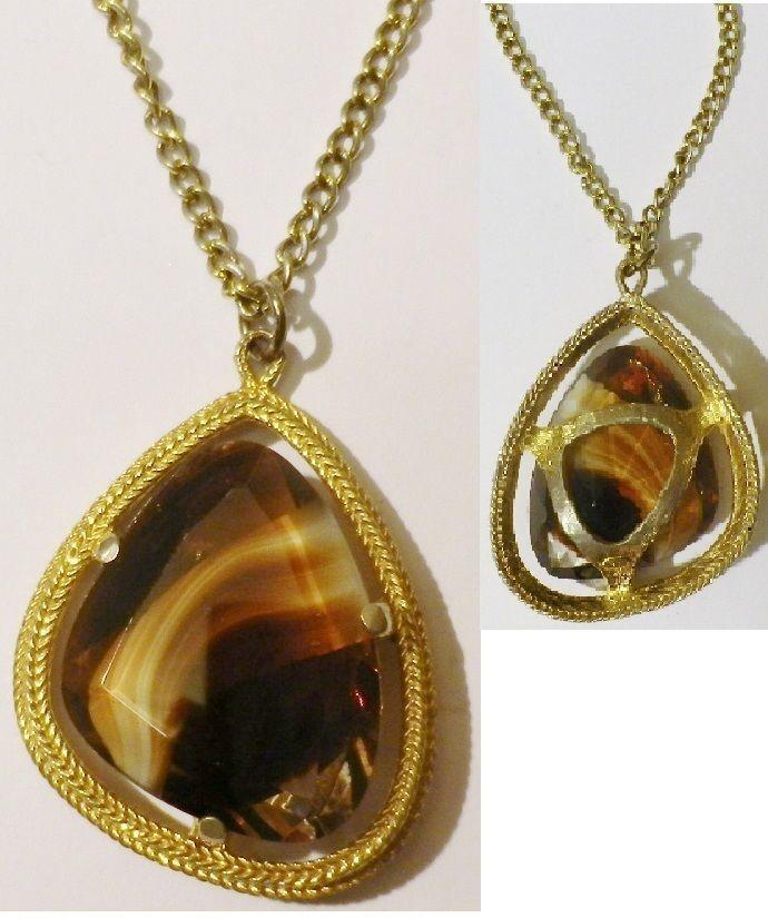 Pendentif bijou vintage finement travaillé color or pierre taillé  4431