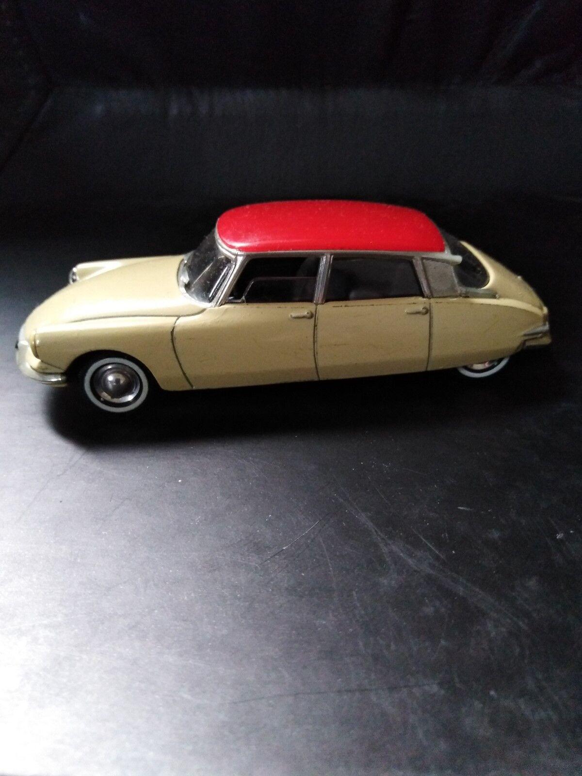 Miniature car, citroen, 1956año collection