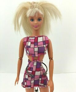 1993-Mattel-Articulated-Twist-n-Turn-Barbie-Doll