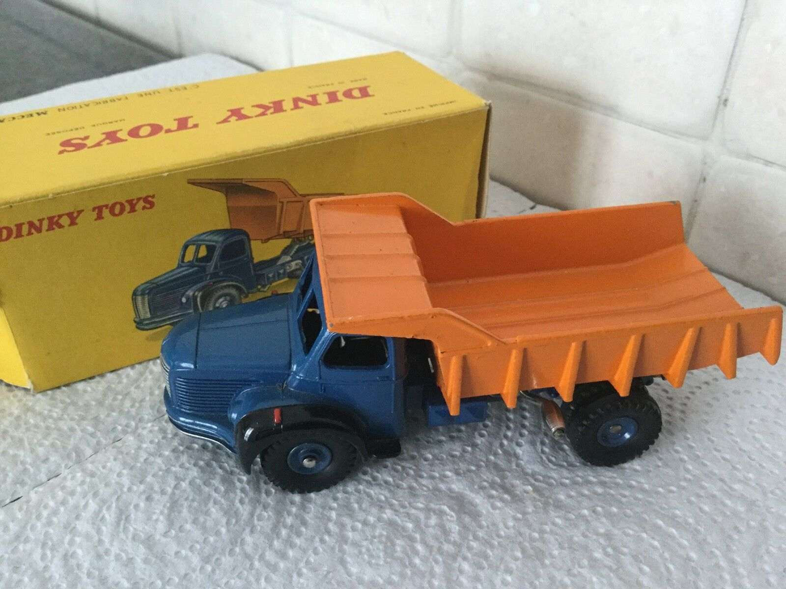 DINKY TOYS FRANCE, BERLIET BENNE CARR., 1 43 NMINT BOX