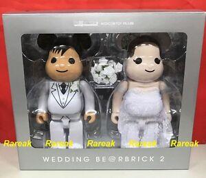 Medicom-Plus-Be-rbrick-2017-Expo-Marriage-400-Wedding-Couple-Bearbrick-Set