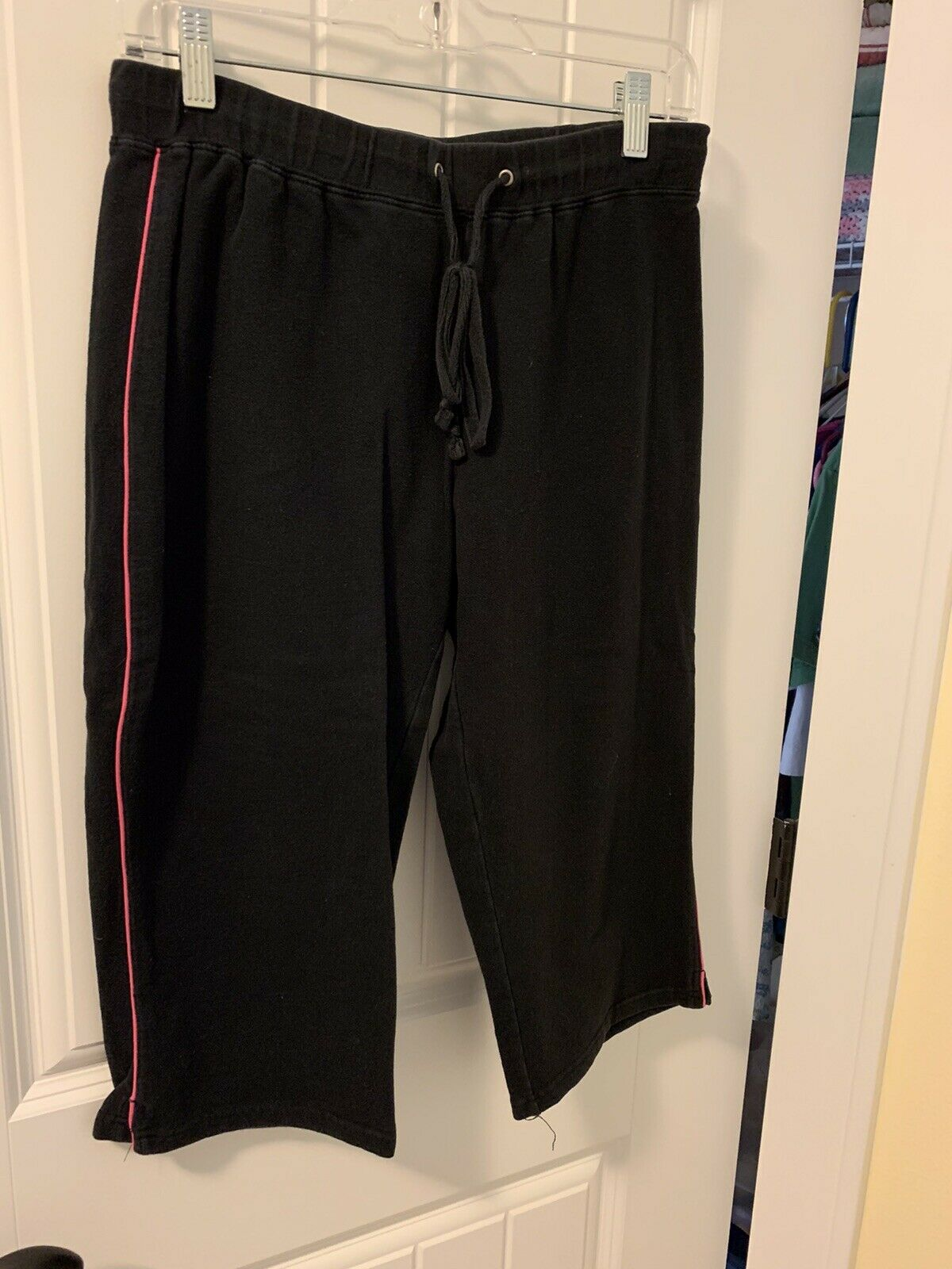 Style&Co Sport Black Cotton Spandex Capris Beachcombers Small S Pink Soft