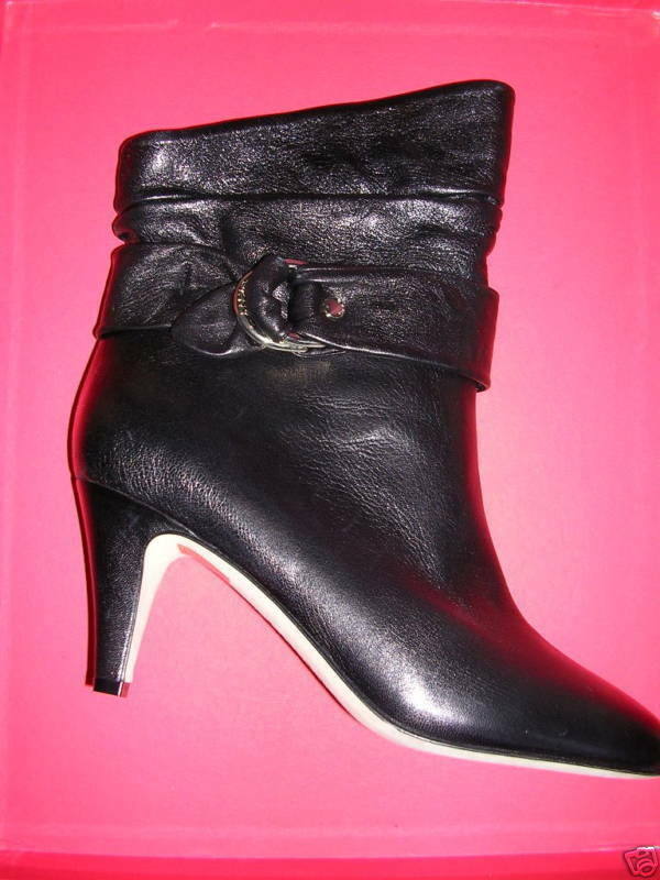 DKNY Black Leather DELORES Ankle Boot 8M NIB
