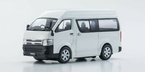 Toyota-Hiace-Highroof-2013-Scale-1-43-by-Kyosho