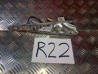 R22 HONDA 100 LEAD LEFT FRONT INDICATOR BULB HOLDER *FREE UK POST*