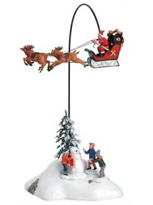 Lemax Christmas Village🎅🏼 SANTA CLAUS IS COMING TO TOWN Flying Sleigh Reindeer