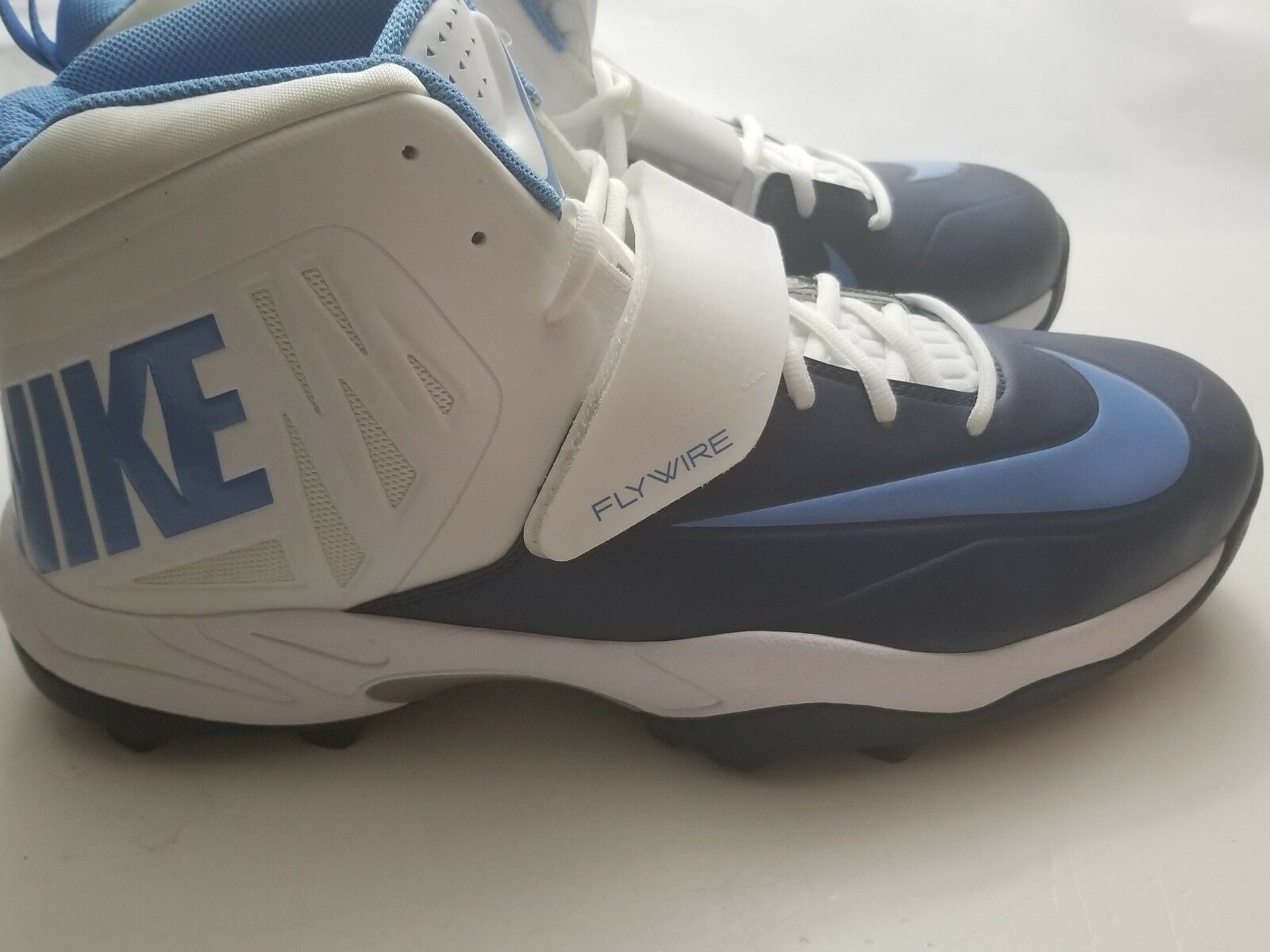 Men's 618167 131 football cleats Nike size 16 bluee white flywire new lineman 3 4