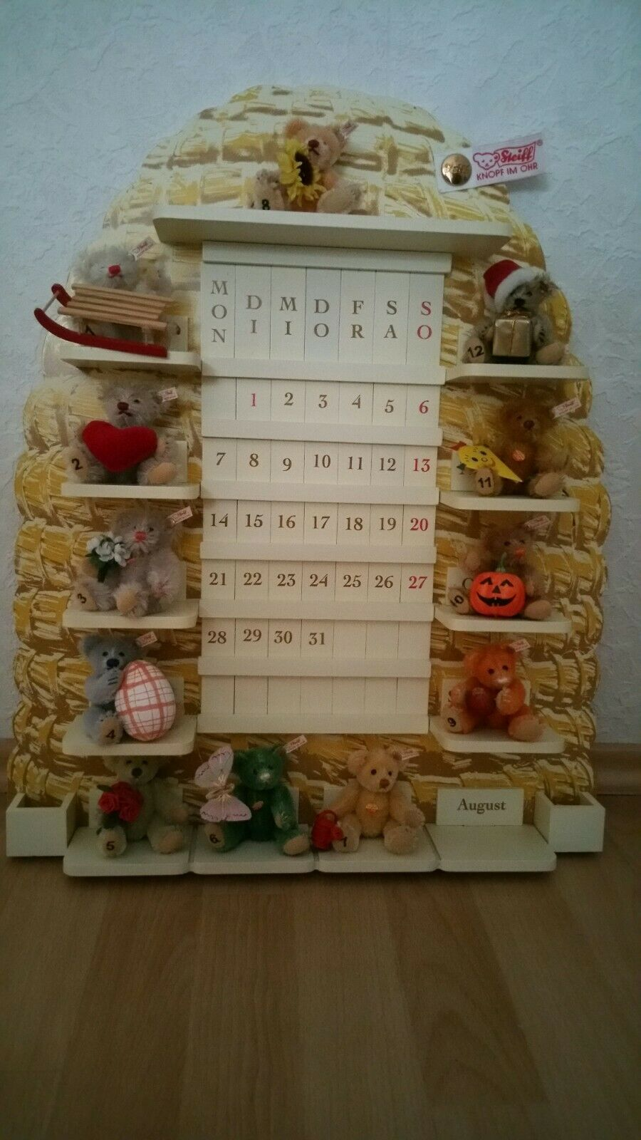 Steiff ewiger Kalender mit 12 Monats - Bären, Bienenstock und Zubehör. In OVP