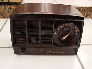 westinghouse-H-365T5-Art-Deco-Tube-Radio-Brown-Bakelite-Loud-Humming-Fr-Repair