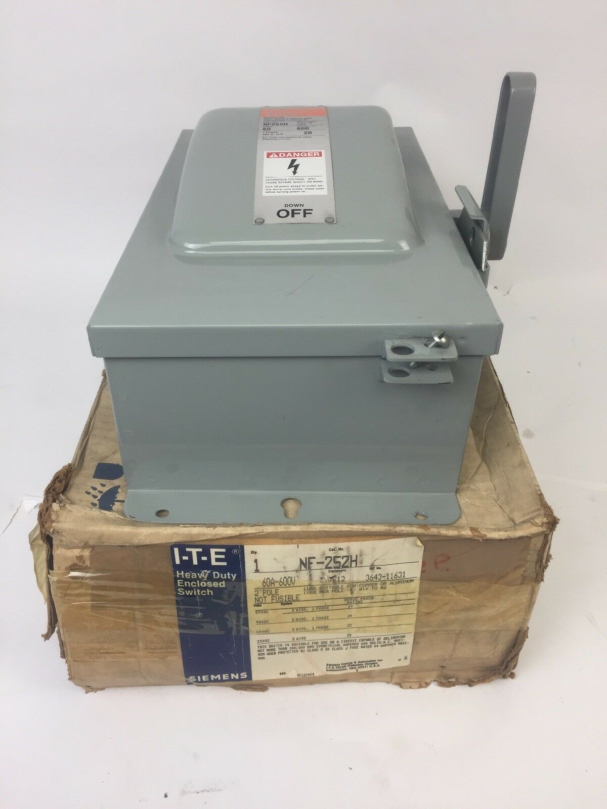 I-T-E SIEMENS NF252H HEAVY DUTY ENCLOSED SWITCH 60A 600VAC 2 POLE NON-FUSIBLE