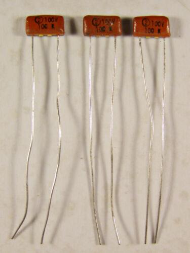 5 Sprague 100pf 100V Monolithic Ceramic Radial Capacitors NOS