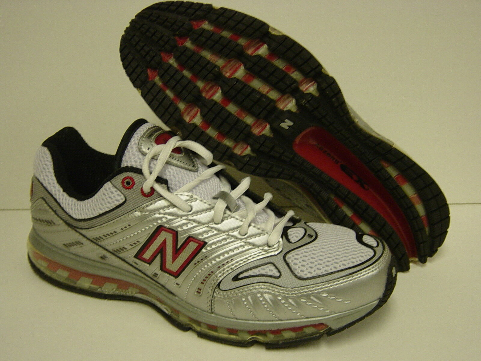 NEW Mens Sz 8.5 NEW BALANCE 1350 SR Silver Red Sneakers Shoes