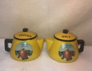 Vtg Yellow & Black Tea Kettle Teapot VIRGINIA Souvenir Salt & Pepper Shakers