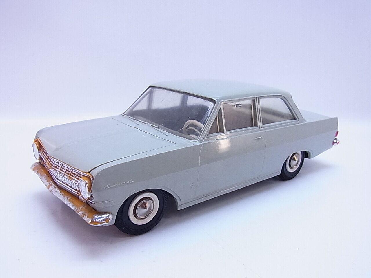 59331 Gama 462 Opel Rekord 1963 Limousine Grey 1 21 Model Car Tin Toy