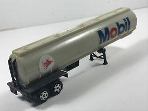 Vintage-Ertl-Mobil-Gas-Semi-truck-tanker-hong-kong-w-Spare-Tire