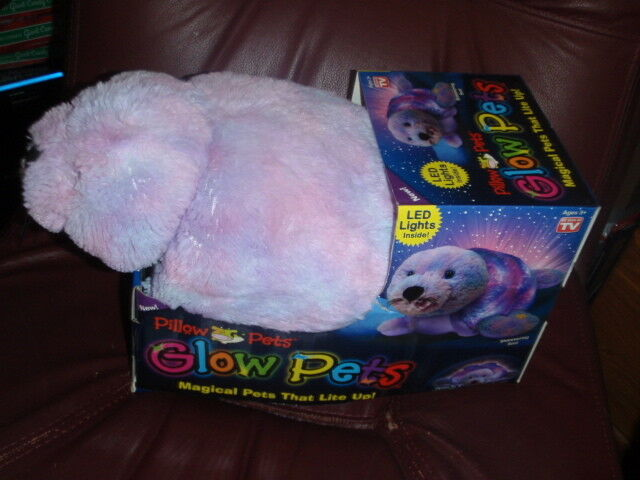 Pillow Pets Pets Pets Glow Pets - SHIMMERING SEAL Lite Up LED Lights inside. New in Box eb1082