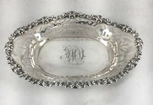 Sterling-Decorated-amp-Pierced-Bowl-Mono-039-d