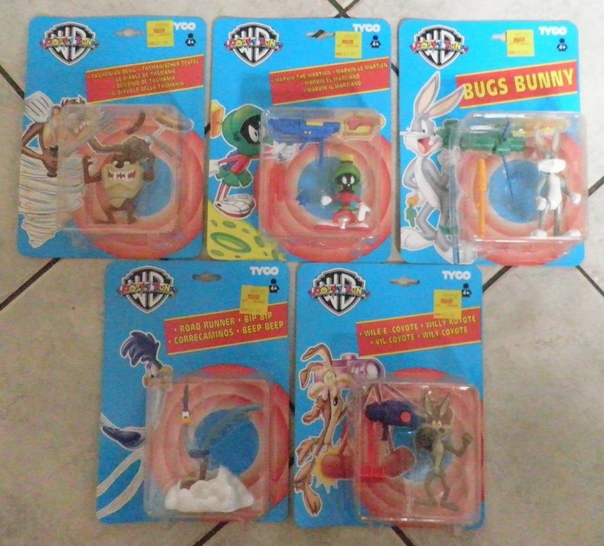 LOONEY TUNES Warner Brothers Tyco Tyco Tyco Set of 5 Characters 1994 preowned mint on card b73513