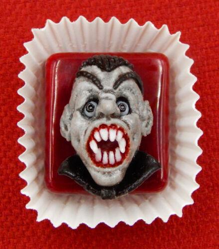 25-621H Hulet Glass Hideous Vampire Petit Four Chocolate Treat