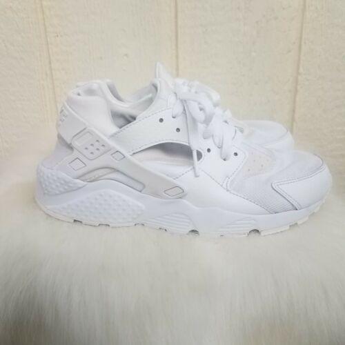 womens white  nike hurache sneakers size 7