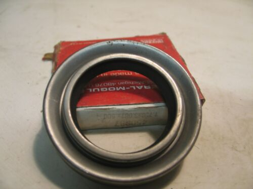 Details about  /NIB SKF CHICAGO RAWHIDE 18242 NITRILE OIL SEAL 1.8125 X 2.875 X .3125 P4369