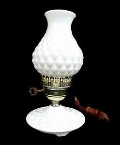 FENTON-MILK-GLASS-DIAMOND-QUILTED-11-034-BOUDOIR-ELECTRIC-HURRICANE-TABLE-LAMP-1950