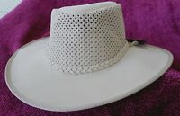 XXL  SAND COLOR HAT WIDE BRIM NWt 50+ SUN PROTECTOR SOAKER/SOAKER KAKADU TRADER