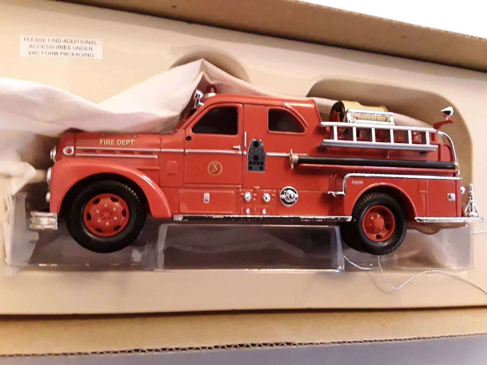 Seagrave  Pompieri  Pumper Fire Truck  Tampa, FL  1 50 CORGI us50502