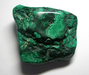 Polished Malachite crystal specimen 424g - Taunton, Somerset, United Kingdom - If you are unhappy with your purchase, items can be returned within 7 working days. I will refund the price of the item if returned in original condition. Post and packing charges are non refundable. If you would like t - Taunton, Somerset, United Kingdom