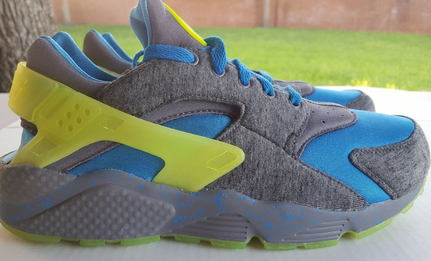 NIKE AIR HUARACHE RUN ID SIZE 12 777330-995