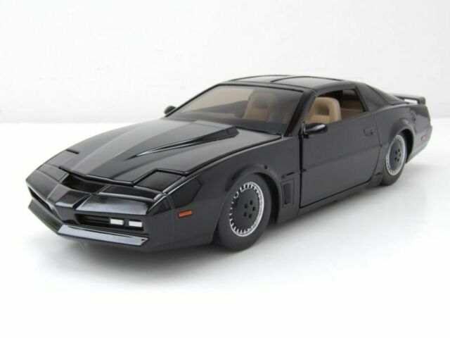 Pontiac Firebird Kitt Knight Rider K.I.T.T. mit Scanner Modellauto 1:24 Jada