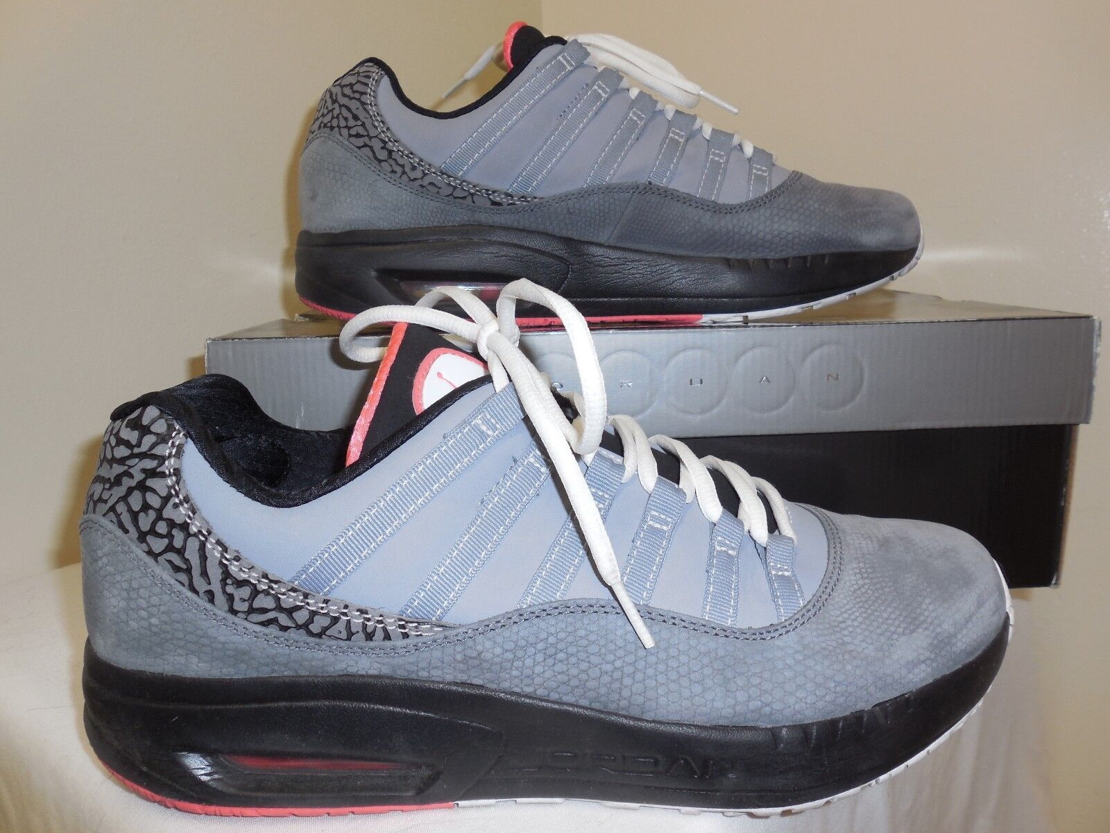 the latest ee048 023c4 NIKE Michael Jordan Sneaker CMFT 41287 Viz Air Max 11 Storlek 11 10 Komfort  Sneaker Basketskor