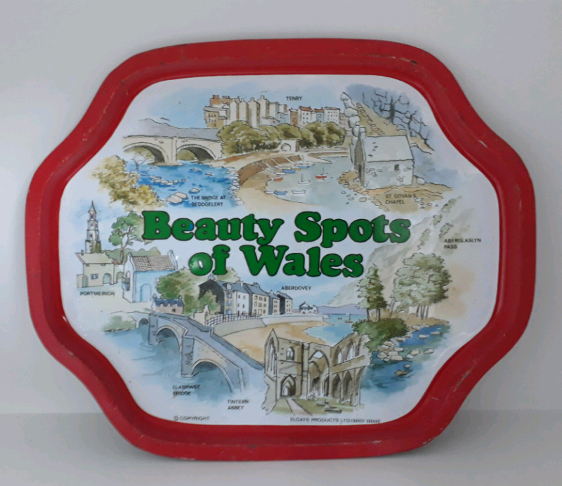 R95 pair of Vintage Welsh tin trays