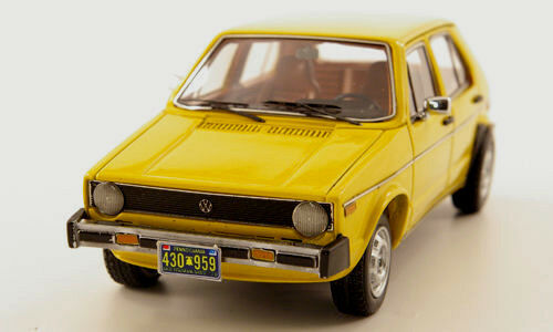 Merveilleux MODELCAR VW Rabbit 4 portes 1975 in (environ 5016.50 cm) jaune Ltd.