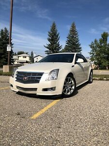 ** 2010 Cadillac CTS , AWD, Premium - LOW KMS **