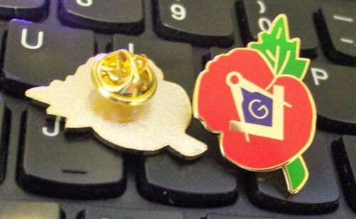 Cap Pin Badge FREEPOST UK FREEMASON REMEMBRANCE DAY POPPY Metal Lapel