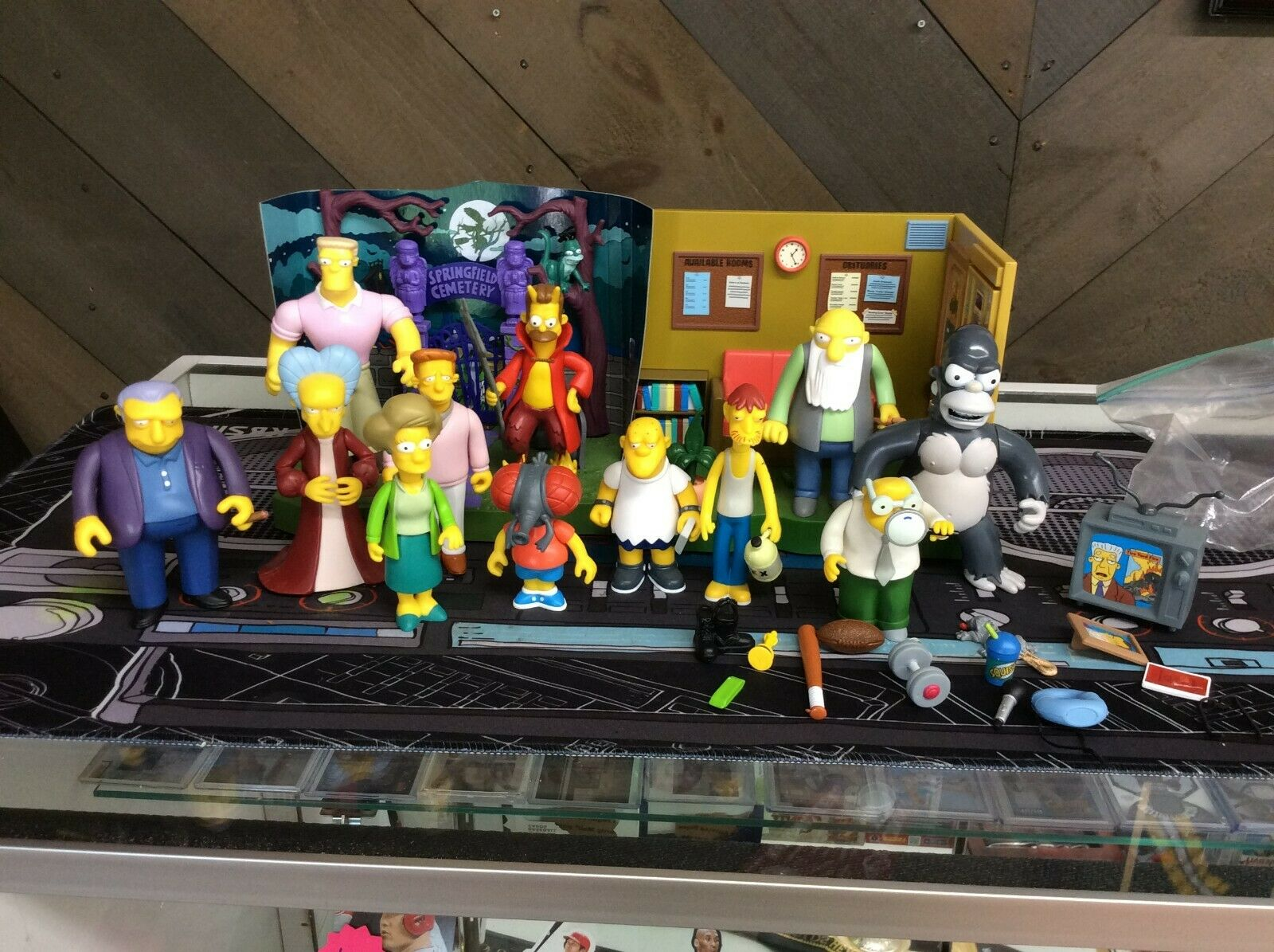 Playmates World Of The Simpsons Action Figure Playset & Accessory Lot  See Pics