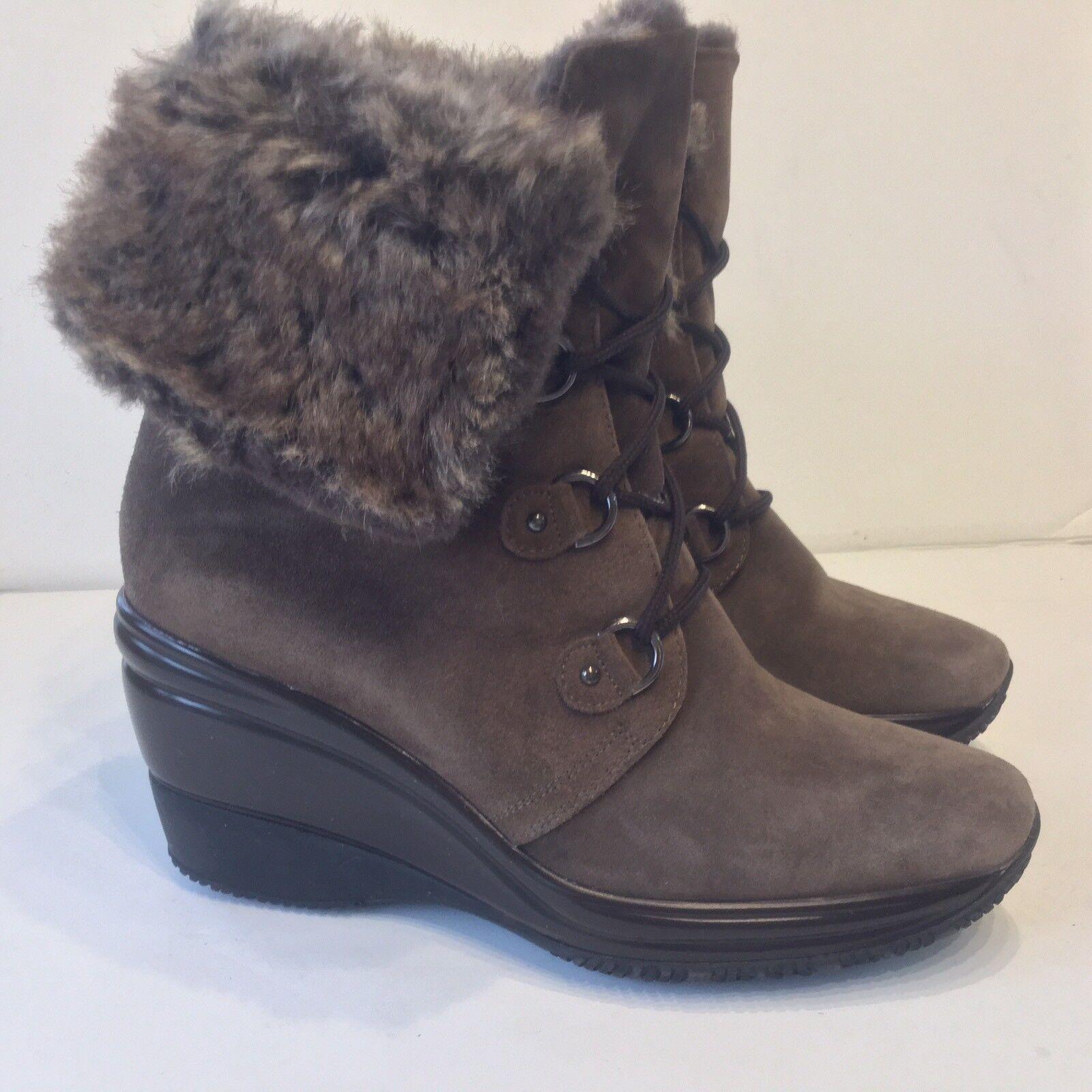 NEW AQUATALIA WOMENS Weatherproof Leather Faux Fur Trim Wedge Booties SZ 11