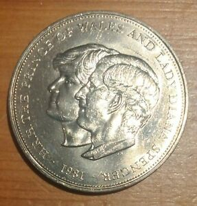 1981 Charles and Diana Di Royal Wedding Commemorative Crown coin Collectable